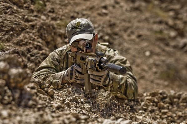 Тактические беспалые перчатки Oakley пригодны для боя