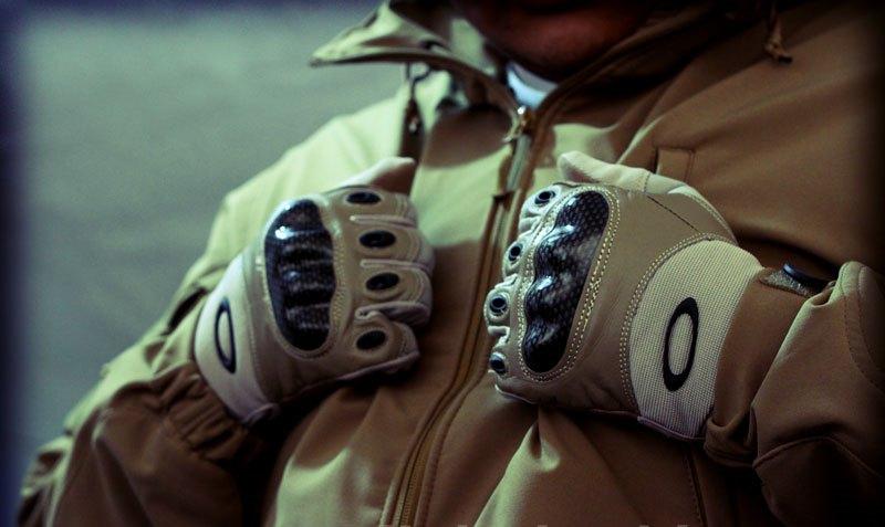 Перчатки с кастетом Oakley Half-Gloves