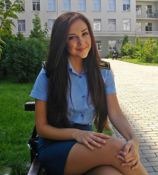 фотографии девушек в школьных платьях