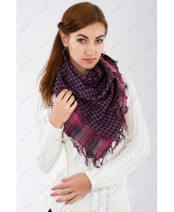 Куфия-шемаг, повязанная как шейный платок