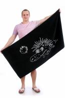 Банно-пляжное полотенце с прикольным ежом.