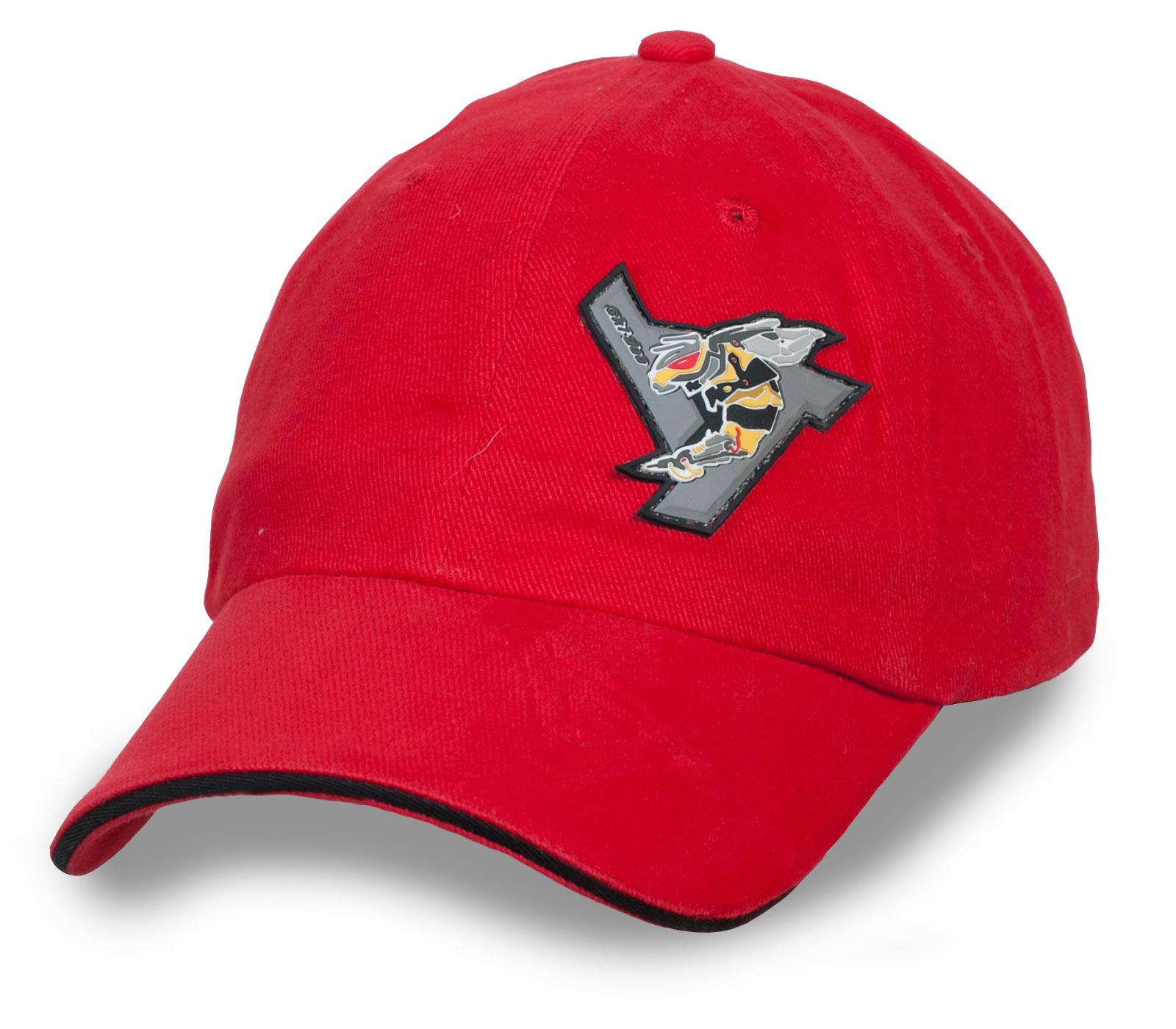 Купить в Москве брендовую красную бейсболку