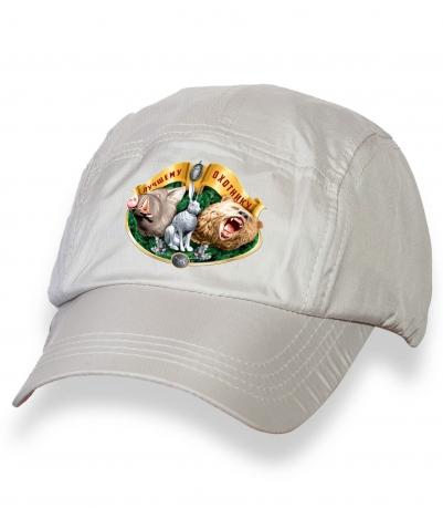 Белая крутая кепка-пятипанелька с термонаклейкой Лучшему Охотнику
