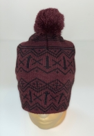 Бордовая шапка с черным орнаментом и помпоном