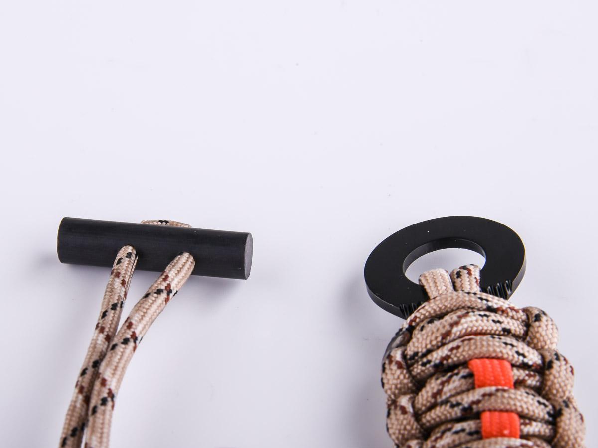 Браслет из паракорда плетение кобра со скребком