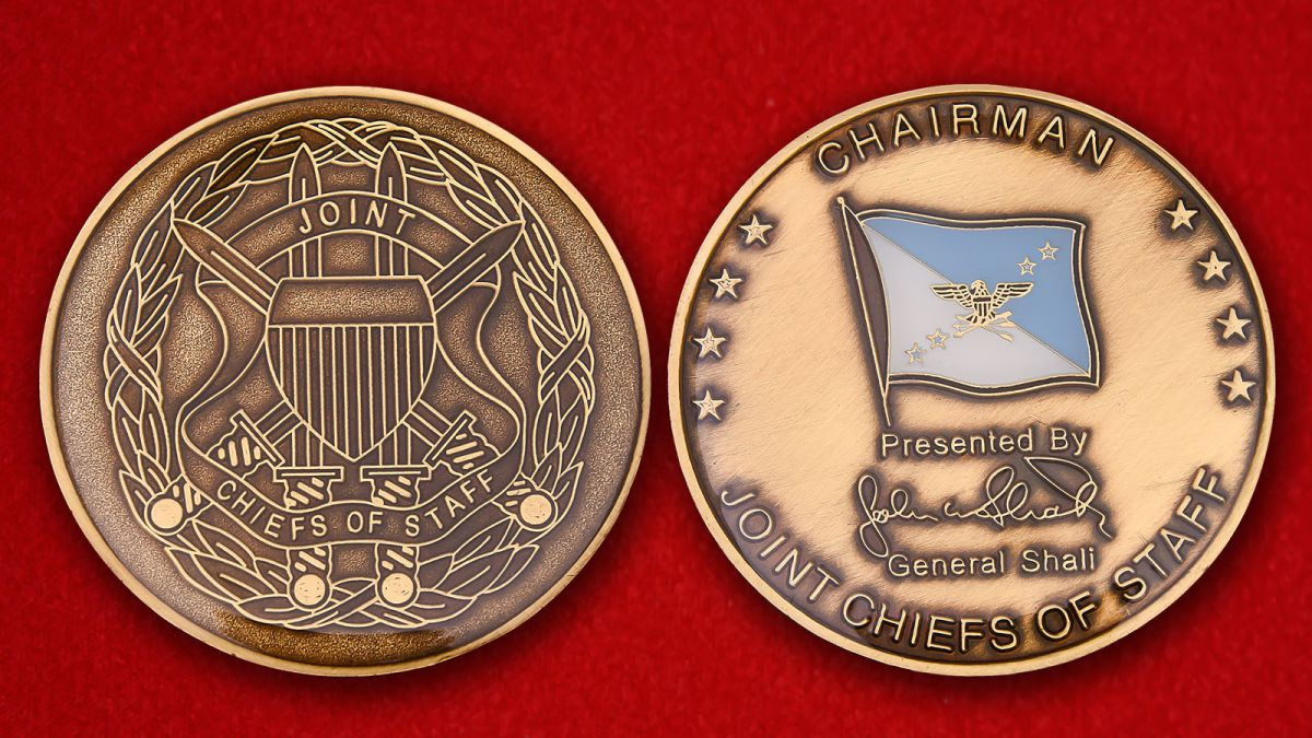 "Challenge Coin ""From the chairman of the Joint Chiefs of Staff"" - obverse and reverse"
