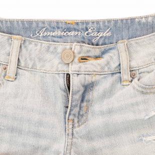 Чарующие джинсовые шортики от American Eagle®. +100 к твоим поклонникам!