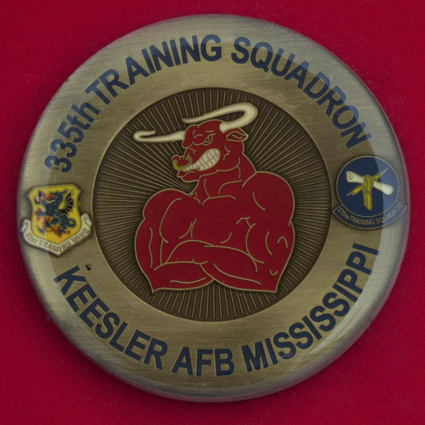 Челлендж коин 355-й учебной эскадрильи ВВС США, авиабаза Кислер