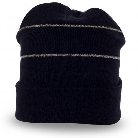 Черная шапка с подворотом