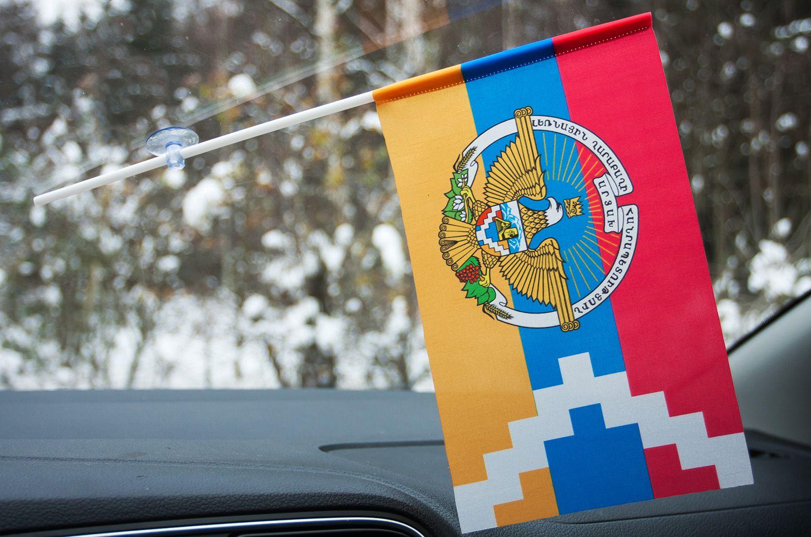 Флажок Нагорно-Карабахской республики на присоске