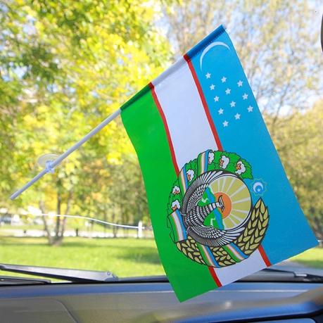 Флажок Узбекистана в машину
