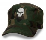 Камуфляжная кепка с черепом