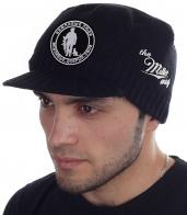 Патриотическая вязаная кепка Miller Way с символикой «Вежливые Люди». Авторский дизайн на удобных брендовых вещах – это Военпро! Классный подарок для тех, кто в теме