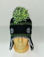 Крутая шапка с футбольными узорами