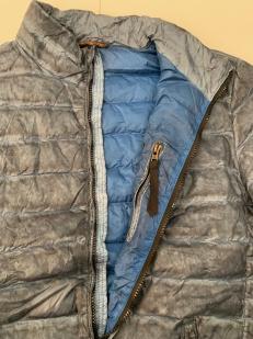Легкая серо-синяя куртка для мужчин