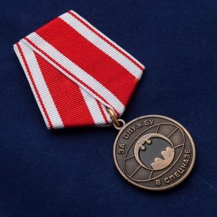 """Медаль """"За службу в спецназе"""" футляре из бордового флока - общий вид"""