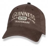 Модная бейсболка Guinness.