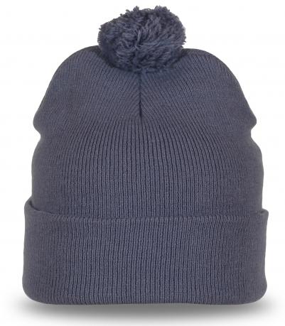 Модная шапка светло-серого цвета для спорта и отдыха
