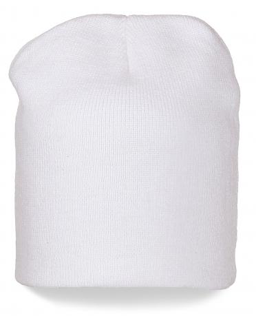 Модная удлиненная шапка белоснежного цвета. Ценителям стиля понравится!