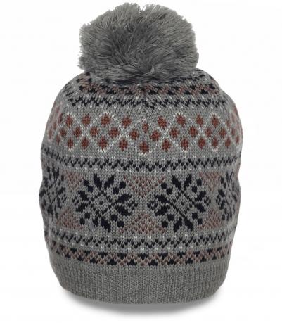 Модная женская шапка на флисе с оригинальным рисунком. Качественная модель для активного отдыха и на каждый день