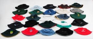 Модные панамы: однотонные шляпы, клетка, логотипы, прикольные принты