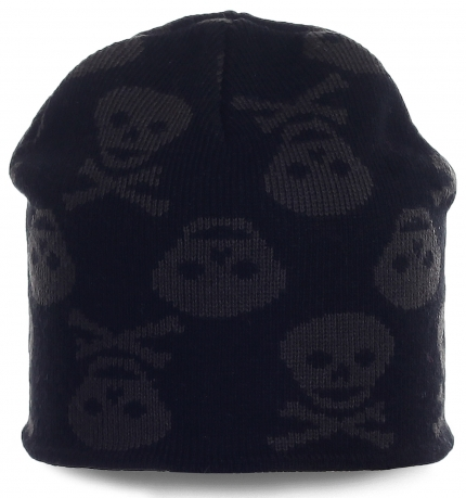 Мужская шапка с черепами. Современный головной убор, в котором тепло в любую погоду