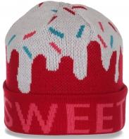 Нарядная оригинальная спортивной модели трикотажная женская шапка бренда Sweet с отворотом