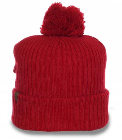 Повседневная шапка Herschel с помпоном. Подойдет для лица любого типа, надежно согреет