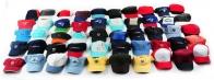Разноцветные кепки для ценителей летней моды