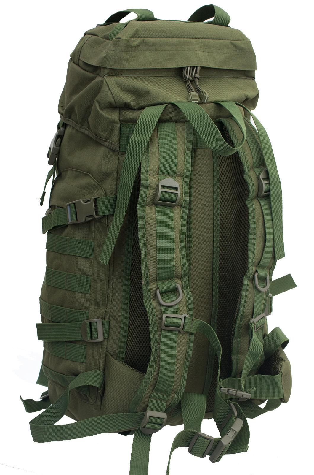 Камуфляжный вместительный рюкзак спецназовцев