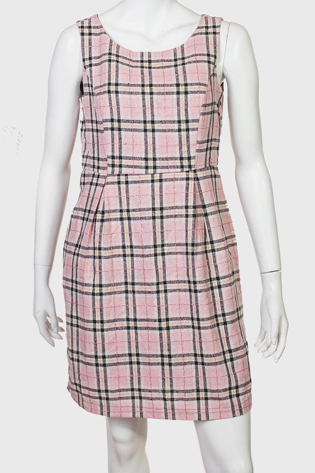 Розовое клетчатое платье-сарафан от SIEMPREESVIERNES