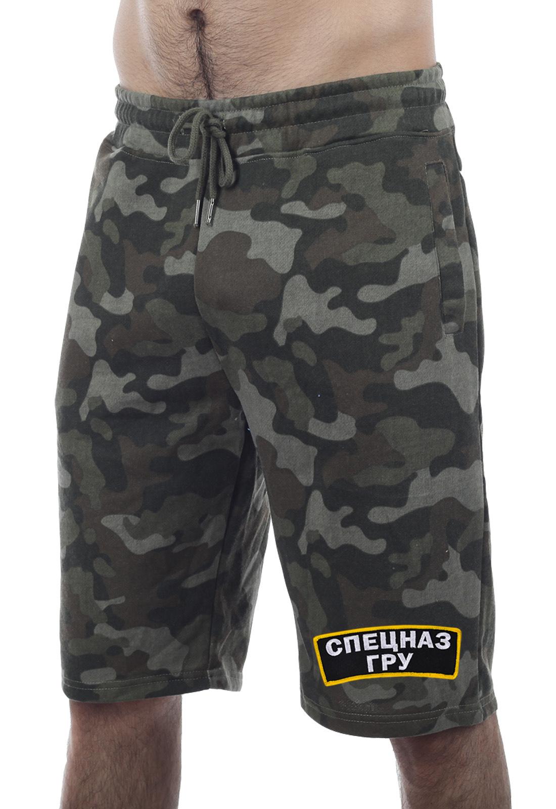 Одежда ГРУ – камуфляжные шорты со спецназовской символикой