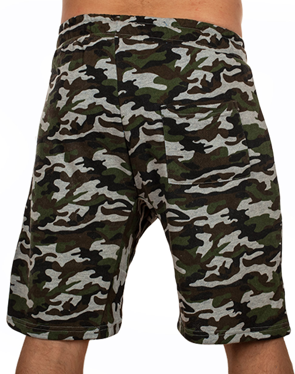 Спецназовские камуфлированные шорты с карманами