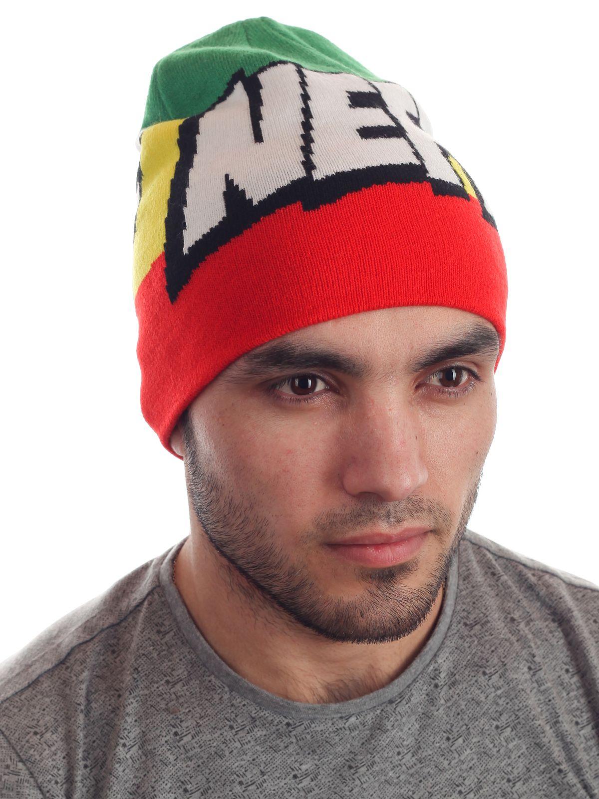 Спортивная трехцветная шапочка от Neff