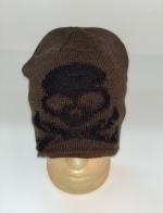 Стильная коричневая шапка с черепом