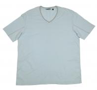 Светлая футболка с V-образным вырезом. 100% хлопок, мягкая ткань