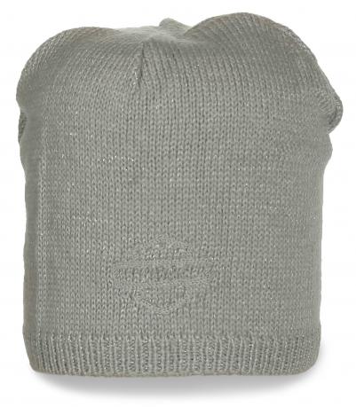 Светло-серая шапка универсальная