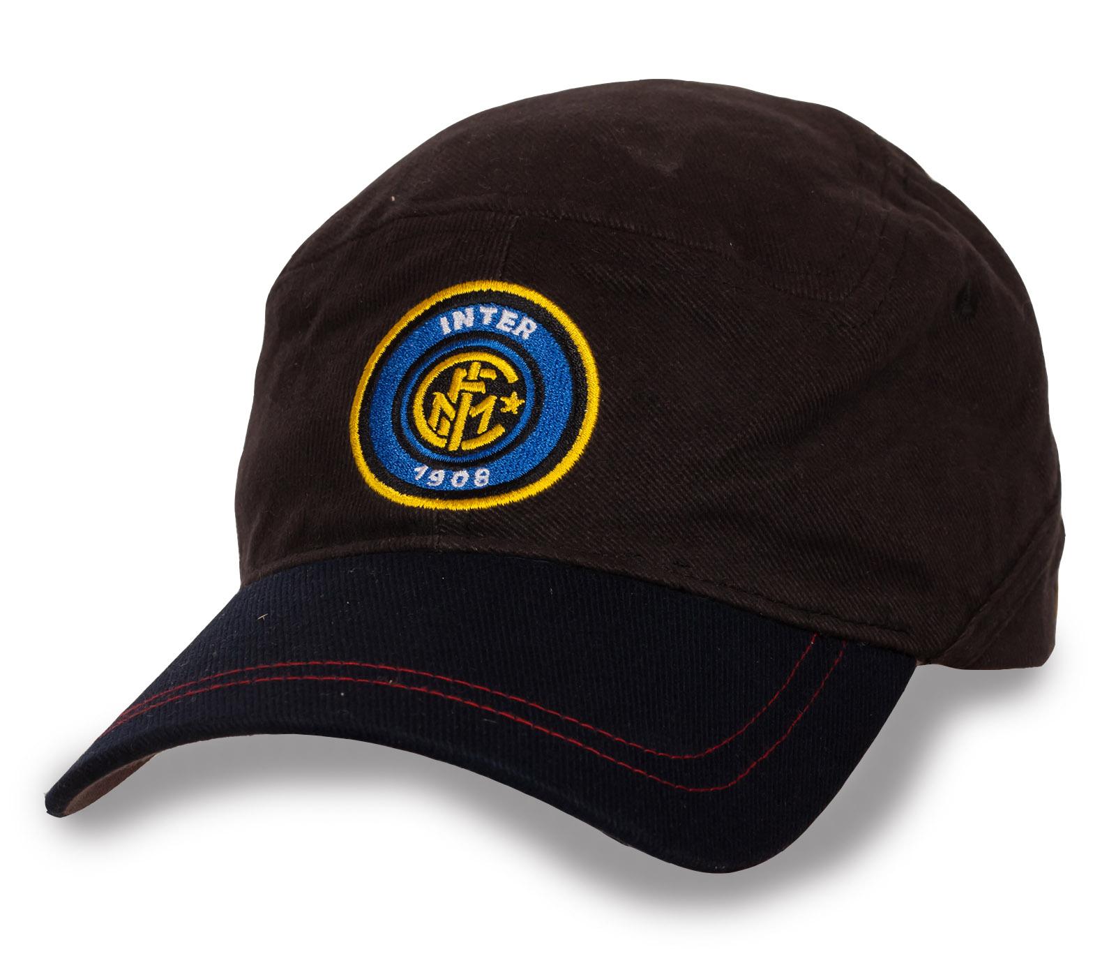 Трендовая кепка Inter.