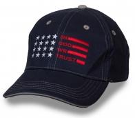Трендовая кепка в американском стиле