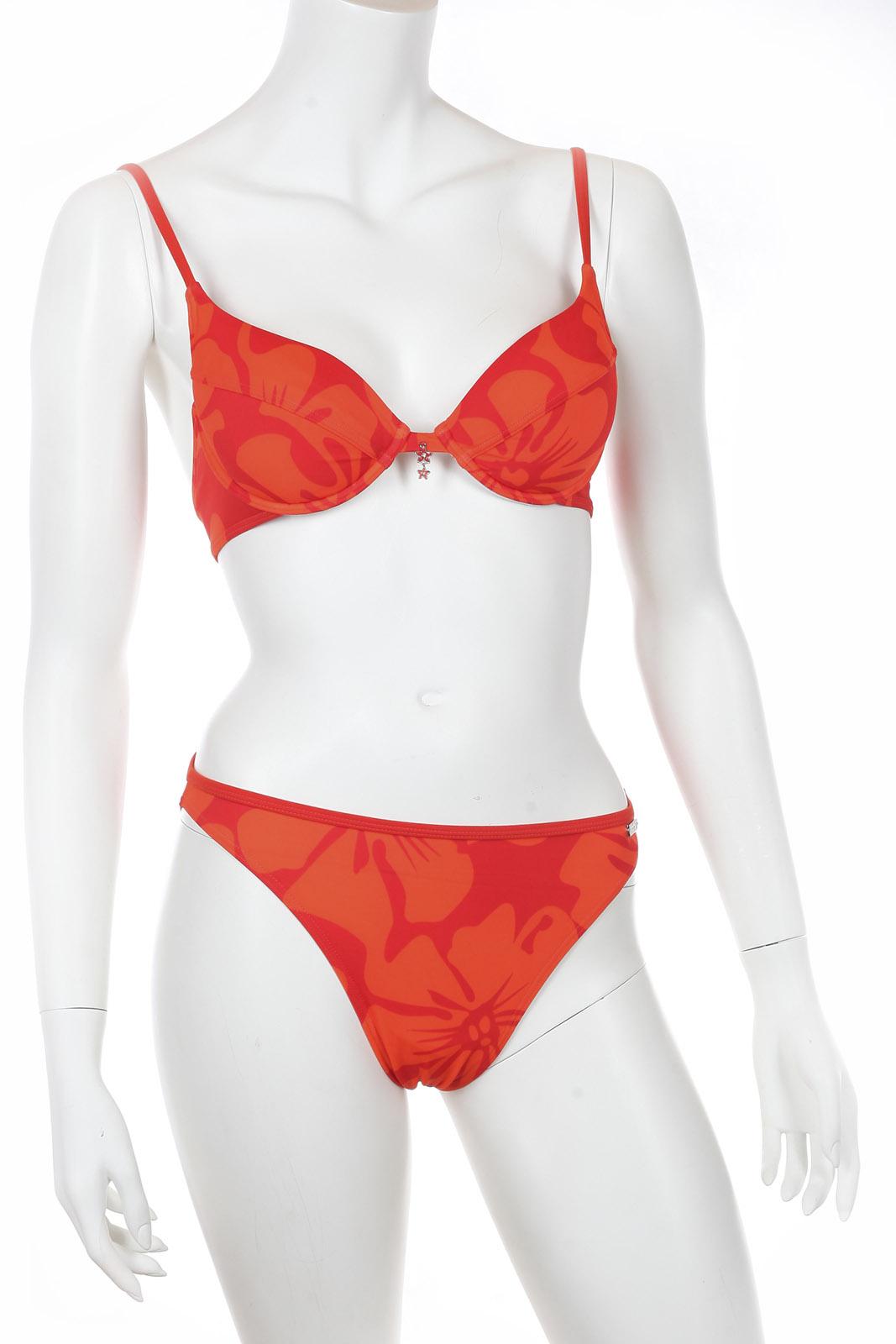 Яркий оранжевый купальник Olympia.