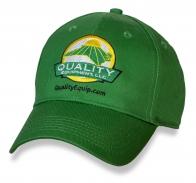 Зеленая бейсболка Quality Equipment.