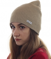 Женская бежевая шапочка Neff на каждый день. Выгодно подчеркнет красоту твоего лица и надежно согреет