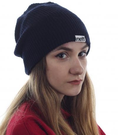Женская шапка Neff универсального темного цвета. Модель, которую можно носить с чем угодно и куда угодно