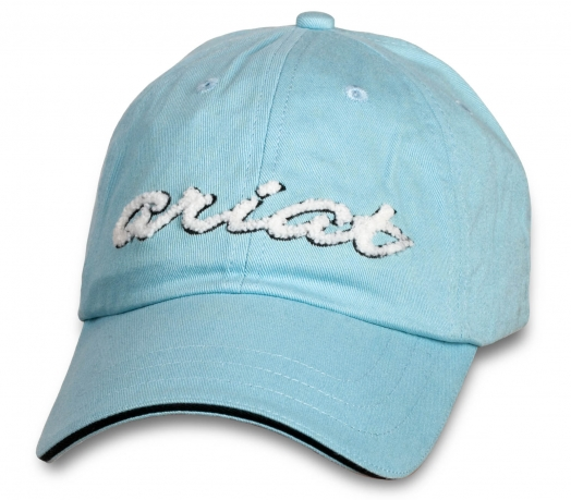 Женственная кепка ARIAT